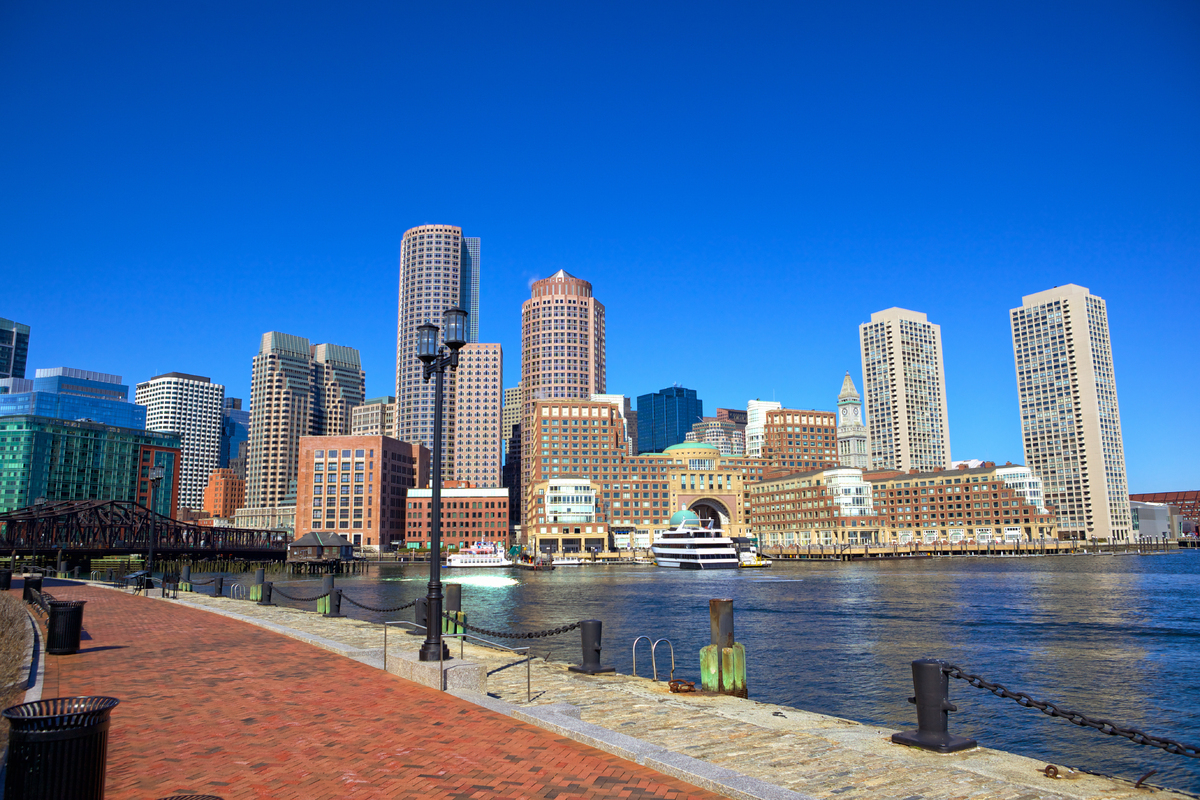 boston harbor y del distrito financiero, massachusetts, ee.uu.