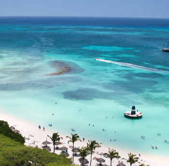 palm beach en aruba. mar caribe