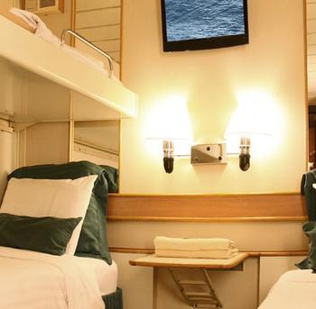 detalle-camarote-categoria-k-interior-barco-monarch